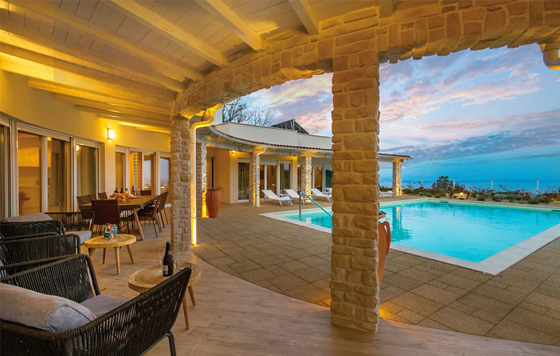 780x780 villa fire opatija for sale