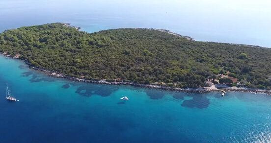 otok-naslovna